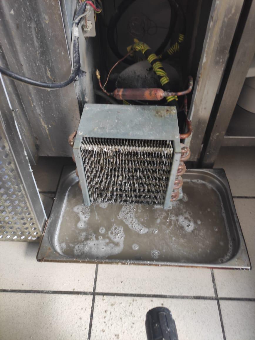 Чистка холодильного оборудования